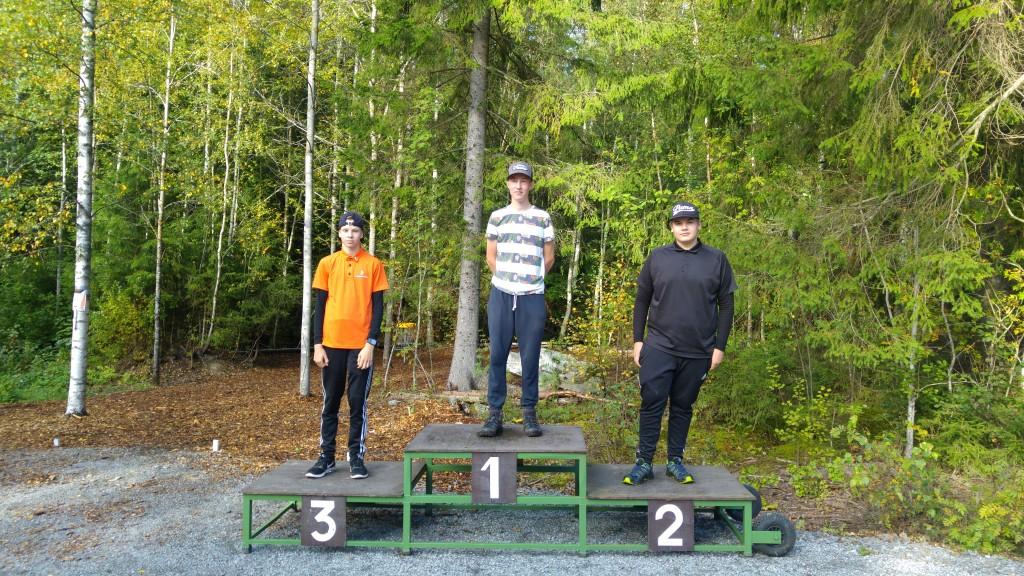 MJ2 sarjan voittajat: 1. Eemeli Maunuksela, 2. Atte Jaakkola ja 3. Roni Hiitelä